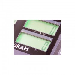 detalle de las 3 pantallas LCD del modelo cuentapiezas RK